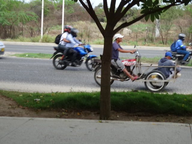 Motos in Colombia. used in the article, Driving in Colombia. Things you Should Know.